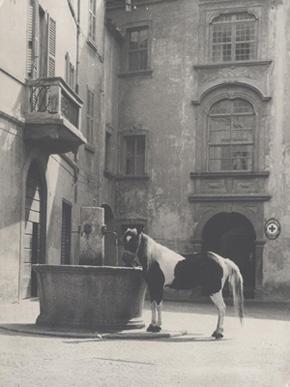 Piazzetta quadrivio anni'60 foto di Mosè Bartesaghi